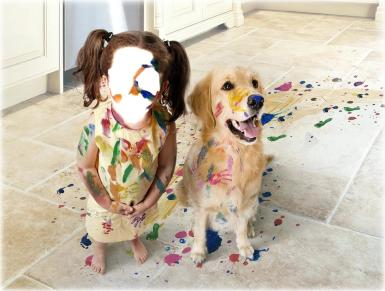 Всемирный день мытья рук. Когда мамы дома нет. Фотоприкол, девочка и собака в краске. Дети, животные, краски, шалости, баловство. Все в краске.