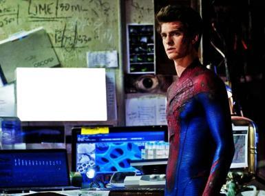 Звезды, журналы. Рамка, фотоэффект: человек-паук. на главном мониторе