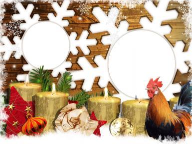 Фигурные рамки. Рамка, фотоэффект: Фоторамка с петухом. Две рамки в форме снежинок. Символ года - петух. Горящие золоченые свечи, елочные игрушки, звезды, ветки елки.