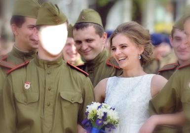 Мужские. Рамка, фотоэффект: Новобранцы. Смеющаяся девушка в белом платье среди новобранцов