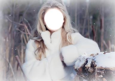 Блондинка в шубе. Коллаж, фотомонтаж. Девушка, блондинка, белая шубка, зимний лес.