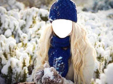 Синие, фиолетовые. Рамка, фотоэффект: Девушка зимой в синей шапке.