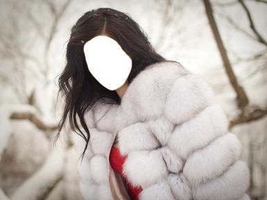 Женские. Рамка, фотоэффект: Девушка в белой шубе.