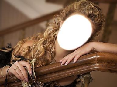 Женские. Рамка, фотоэффект: Девушка, блондинка с длинными волосами.