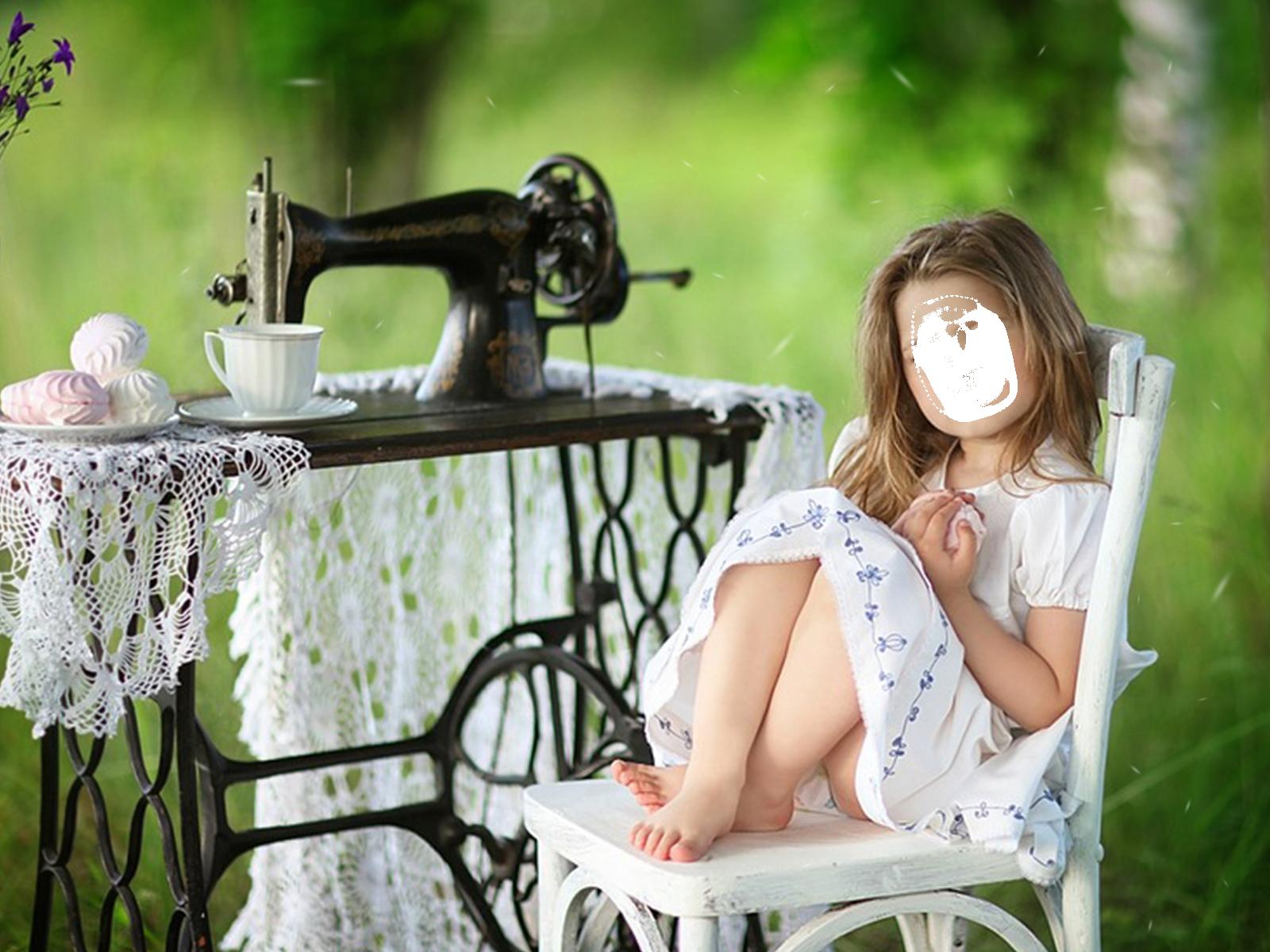 Фоторамка Девочка у швейной машинки Фоторамка для фотошопа, PNG шаблон.